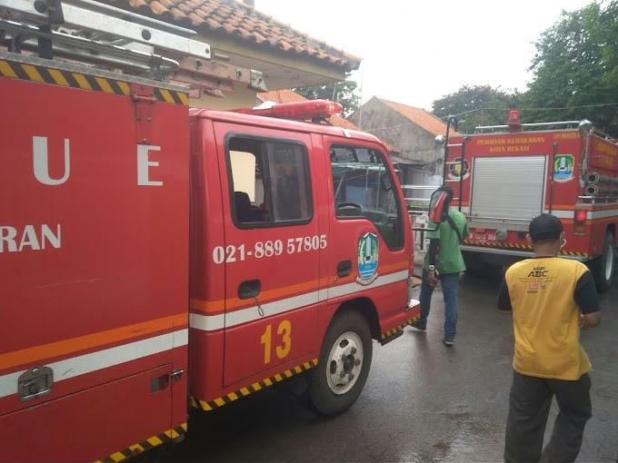 Sijago Merah Melahap Satu Rumah Di Sepanjang Jaya Rawalumbu