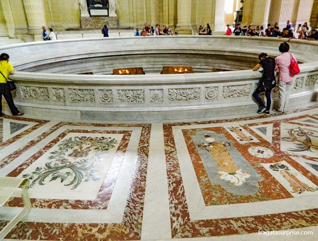 Cripta com o túmulo de Napoleão, Les Invalides, Paris