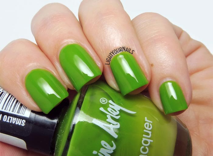 Smalto verde Catherine Arley 160 jelly green nail polish #nails #catherinearley #unghie #lightyournails