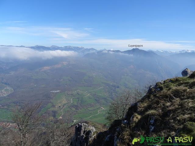 Ruta Sierra del Crespón: Vista desde Peña Escrita al Cuyargayos