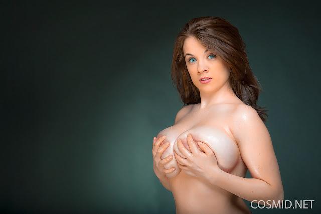 Emily Born wide nipples pics