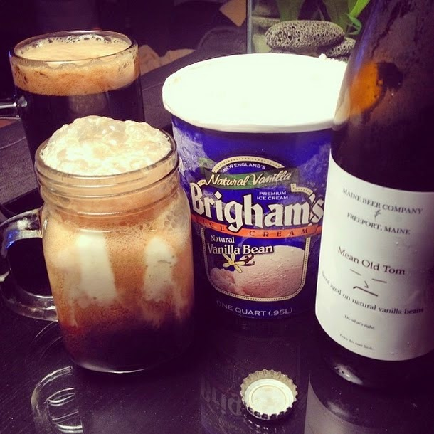 - - - vanilla bean stout floats - - -