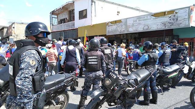 RAMOS CON FIRMEZA Y DETERMINACIÓN PROTESTAMOS CONTRA LA TIRANÍA DE MADURO
