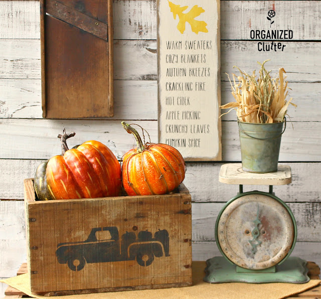 Easy Stenciled Fall Decor With A Crate and Fence Board #stencil #fall #autumn #joannfabric #rusticdecor #crate #sign