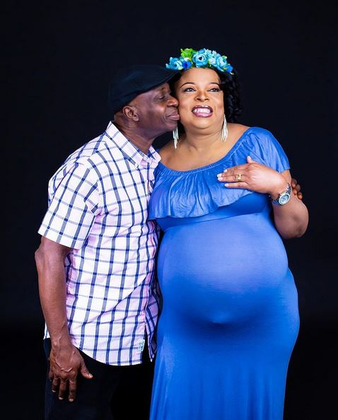 Wow! 54-Year-Old Nigerian Woman Becomes A Mum For The First Time, Welcomes Twin Babies (Video) #Arewapublisize