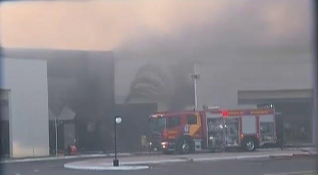 Maringá: Incêndio de grandes proporções atinge shopping atacadista