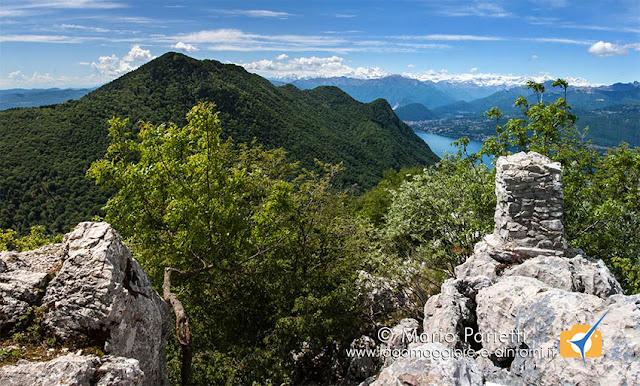 Vetta del monte ganna con il lago Maggiore