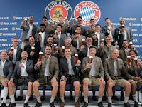Keren! Sesi Pemotretan Bayern Munich, Ribery Tolak Pegang Bir