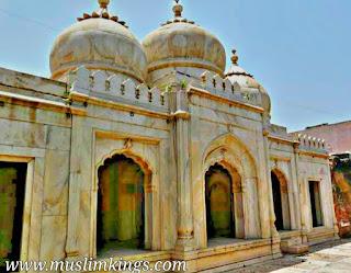 moti masjid,Maharoli,Delhi