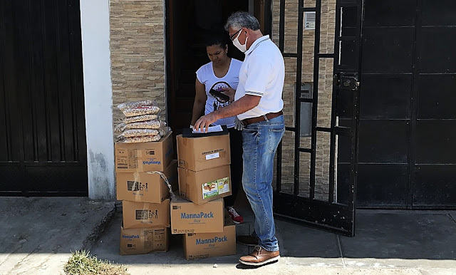 Venezolanos en Perú: entregan víveres a venezolanos en situación de pobreza
