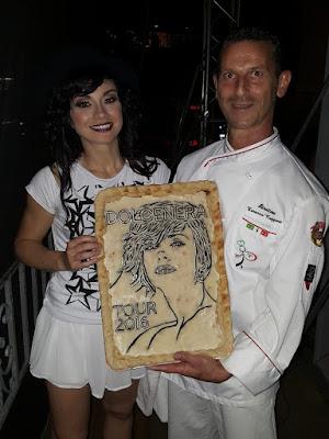 Pizza artistica con ritratto Dolce Nera