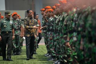 """Panglima TNI: Kutip Pernyataan Bung Karno """"perjuanganku lebih mudah karena mengusir penjajah, perjuanganmu akan lebih sulit karena melawan bangsamu sendiri"""" - Commando"""