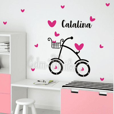 vinilo decorativo infantil bicicleta corazones mariposas nombre