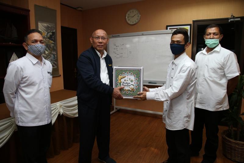 BP Batam Berikan Bingkisan Ramadhan ke Pegawai Outsourcing dan Tenaga Cleaning Service