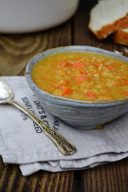 A warming lentil soup, made to use up salad drawer stragglers. Healthy, nutritious and very, very tasty. #lentilsoup #redlentilsoup #soup #easysoup #vegansoup #redlentils #lentils