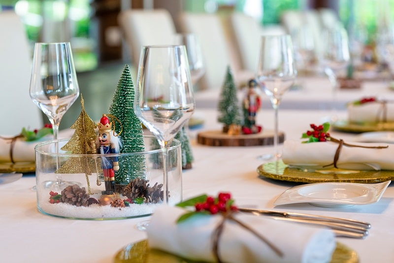 Marriott International's Hong Kong Hotels present festive feasts and gifts
