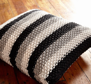 Free Knit pillow pattern