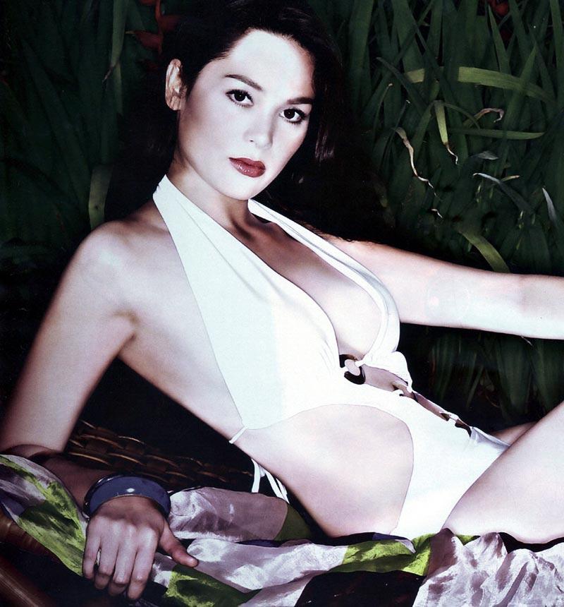 Cristine hermosa topless 15