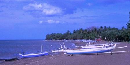 Pantai Lovina pantai lovina indonesia pantai lovina di singaraja pantai lovina dalam bahasa inggris pantai lovina