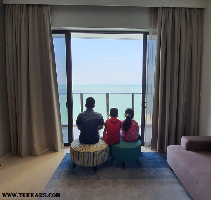 Tanjung Point Residences review-Balcony Beachfront
