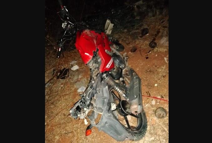 Acidente envolvendo moto e animal deixa homem ferido na BR-407, próximo a Carnaíba do Sertão, em Juazeiro (BA)