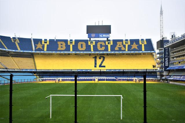 estadio de futebol amarelo e azul