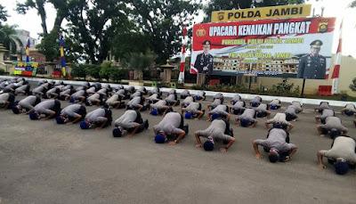 Naik Pangkat, 172 Personel Polri dan PNS Polda Jambi Lakukan Sujud Syukur