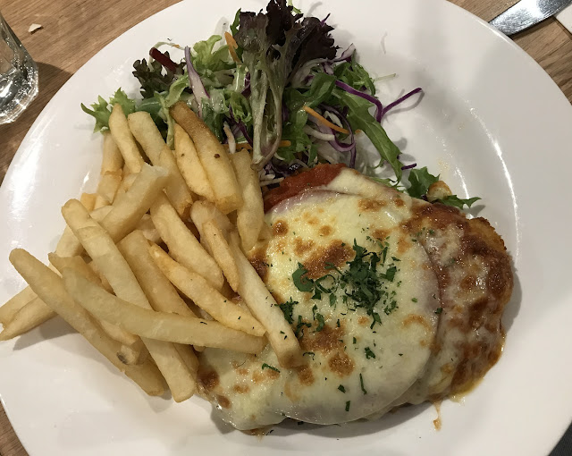Caulfield Glasshouse, East Caulfield, chicken parma