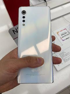 تسريبات تظهر هاتف LG Velvet  في مجموعة من الصور