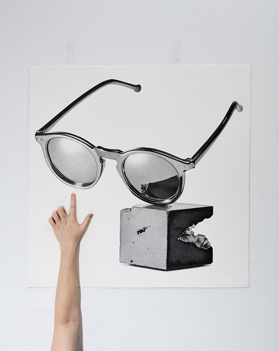 13-Sun-Glasses-CJ-Hendry-Bronzed-Trophy-Series-Drawings-that-look-like-Photographs-www-designstack-co