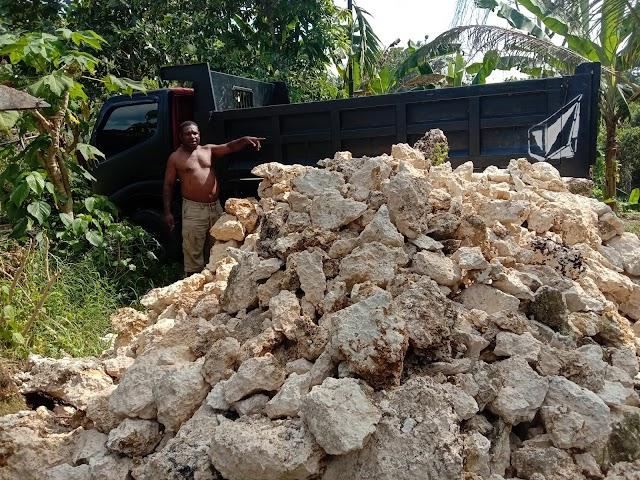 Lokasi Wisata tempat batu di kampung skendi, kabupaten sorong selatan