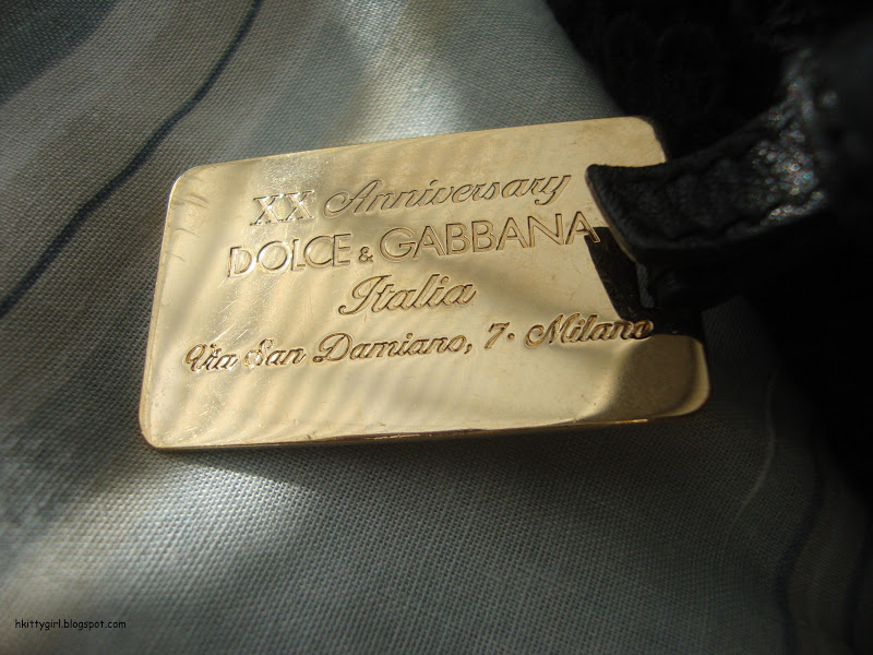 My mum just gave me her 20th anniversary Dolce and Gabbana purse that I  never knew she even owned. She figured she hadn t used it in years adb1104993d3b