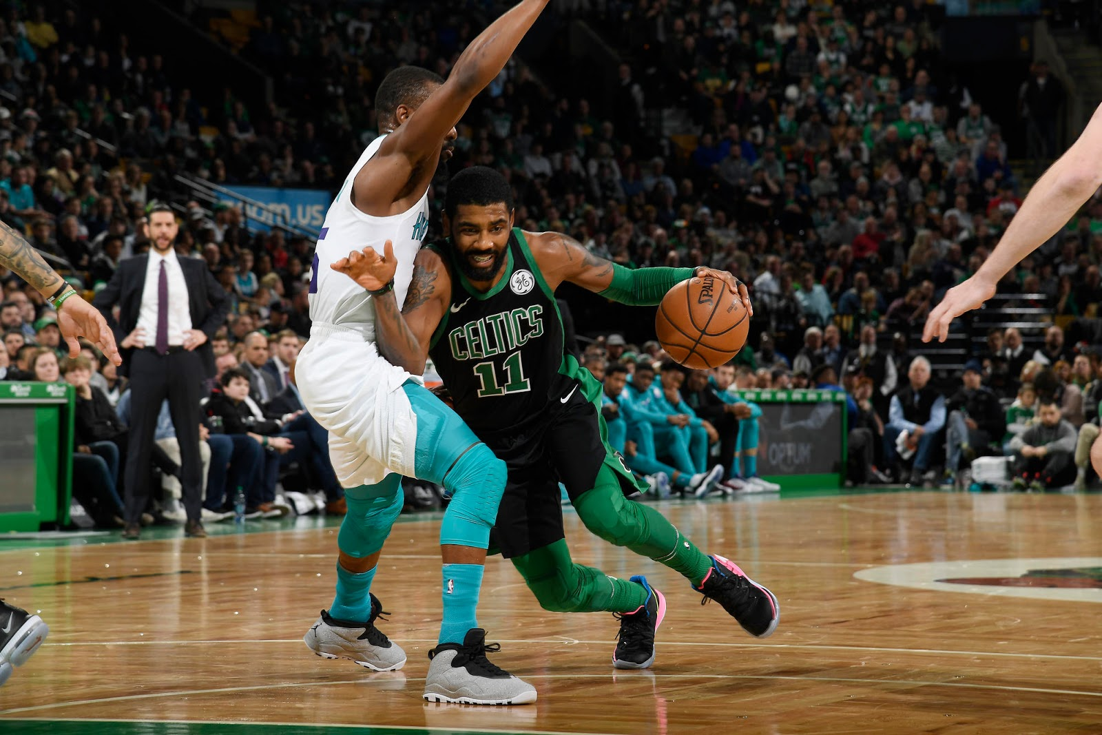 386be39ae1a UPDATE: Kyrie Irving OUT vs Charlotte Hornets due to hip strain ...
