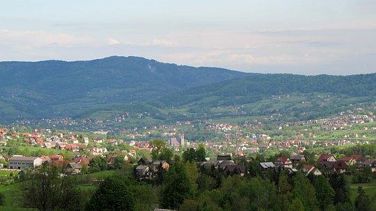 Limanowa i Miejska Góra (716 m n.p.m.).
