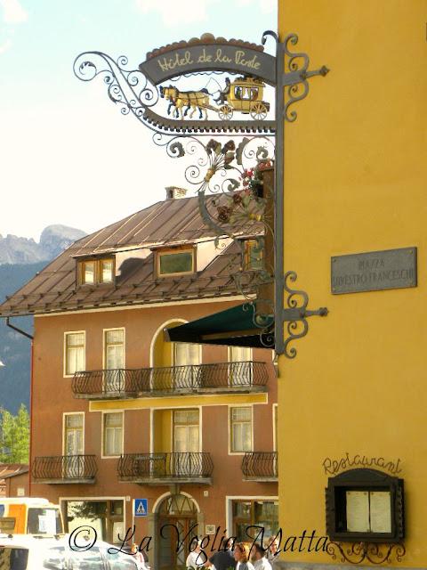 Cortina d'Ampezzo insegna Hotel de la Poste