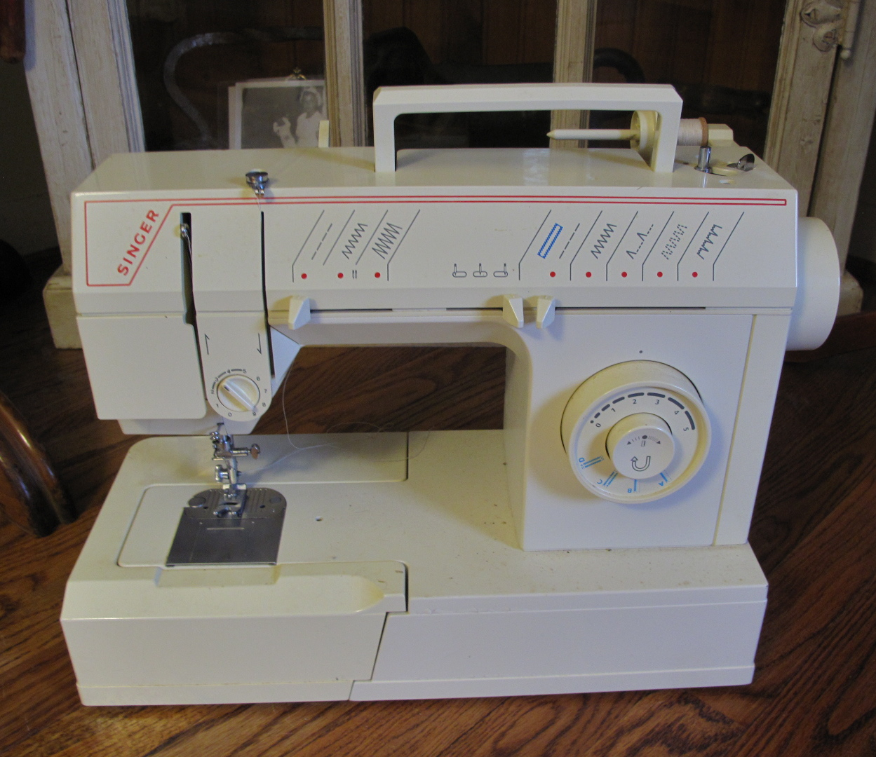 resweater does anyone have this sewing machine