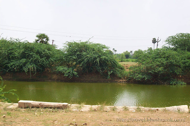 Paramathi Velur temple Thirumanimutharu river