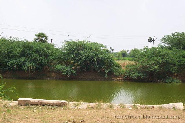 Paramathi Velur temple Thirumanimutharu river