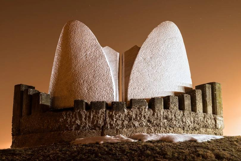 The Stone Sleeper monument in the Sumarice Memorial Park in Serbia resembles haystacks to pay tribute to the farmers and peasants who were killed by the Nazis during World War II.