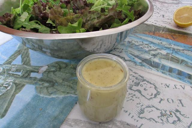 Ladoksido, czyli grecki sos sałatkowy