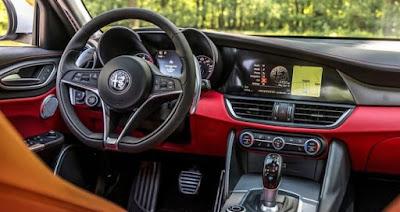 Bagian Dalam Mobil Alfa Romeo Giulia