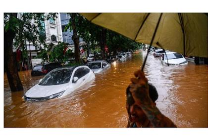 Cara Mengatasi Mesin Mobil yang Terendam Banjir