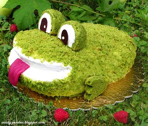 Szpinakowy tort żaba z kokosowym nadzieniem (bez glutenu, cukru i laktozy)