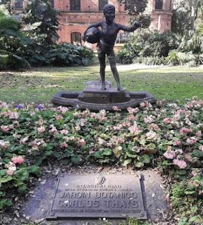 L'Aquaiolo de Vincenzo Gemito en el Jardín Botánico.