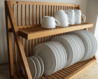 Lemari rak piring kayu minimalis