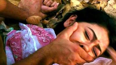 عشيقها تحت السرير.. زوج يذبح زوجته وحبيبها يقفز من البلكونة + 18