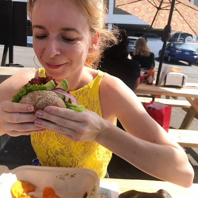 BBG Jackfruit Sandwich Gluten free bun