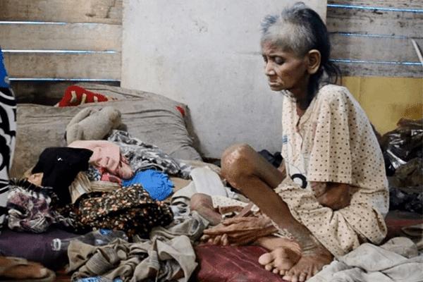 Mengharukan Nenek Ini Hanya Minum Air Rebusan Batu Selama 1 Tahun Demi Bertahan Hidup..