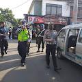 """""""Personil Sat Lantas Polres Cianjur Berikan Edukasi Physical Distancing Kepada Masyarakat Cianjur"""""""