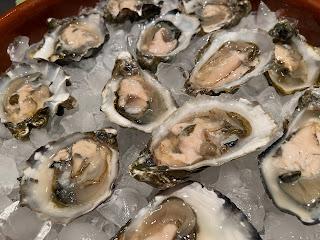 Nevør Shellfish Farm shucked Petite Tørkes oysters.